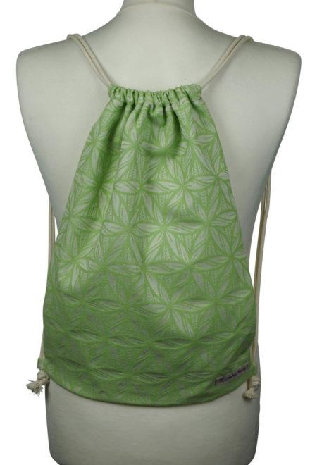 Fräulein Hübsch Stoffrucksack in Apfelgrün mit floralen Muster und beiger Kordel