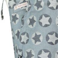 Babytrage Fräulein Hübsch Mei Tai Toddlersize Hellgrau mit weißen und dunkelgrauen Sternen Detailansicht