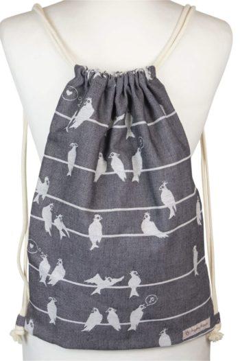 Fräulein Hübsch Stoffrucksack mit weißen Vögeln auf grauen Hintergrund und beiger Kordel