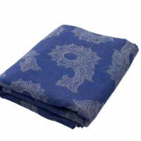 Fräulein Hübsch Tragetuch in Blau und Weiß mit floralen Muster