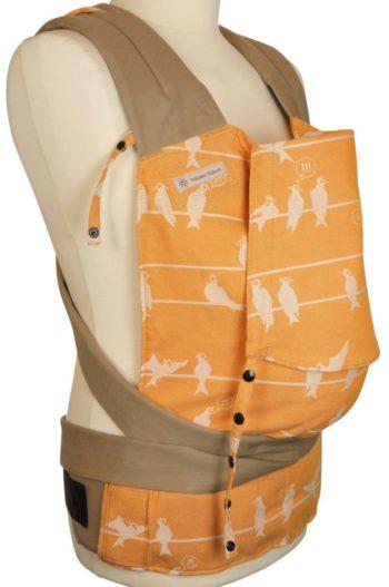 Babytrage Fräulein Hübsch Mei Tai Babysize in Orange mit weißen Vögel Seitenansicht