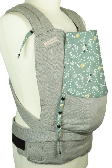 Babytrage Fräulein Hübsch Soft Tai Toddlersize Hellgrau mit Schwalben und Blättern auf Kopfstütze